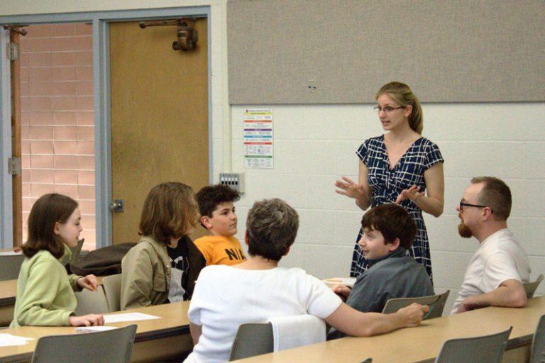 TA explaining at a Math Circle